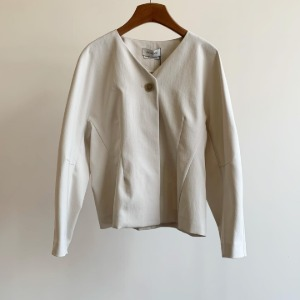 Amomento Dolman Cropped Jacket Cream